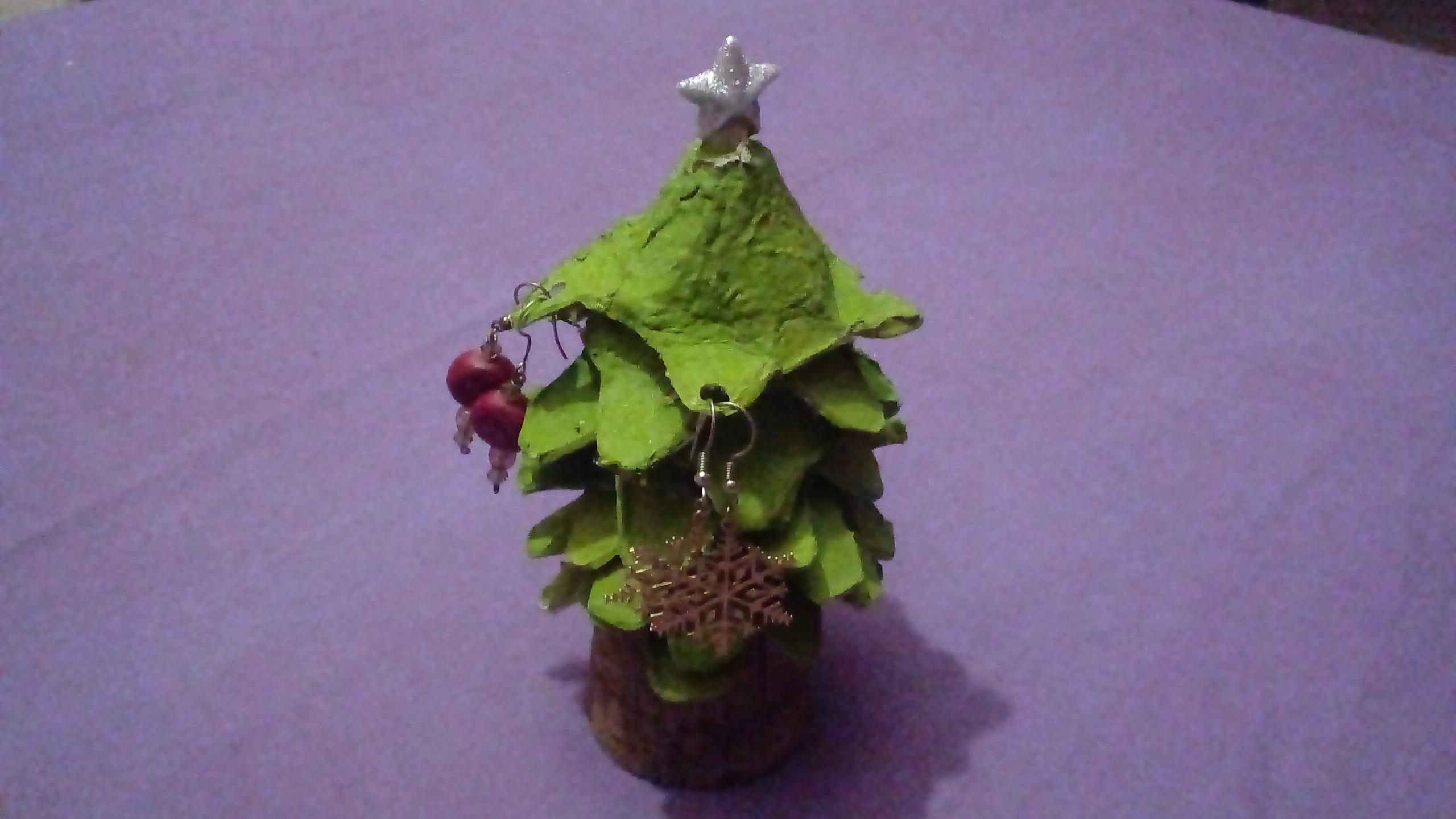 Albero di Natale portaorecchini: un'altra idea regalo
