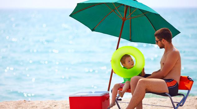 Borsa frigo sotto l'ombrellone
