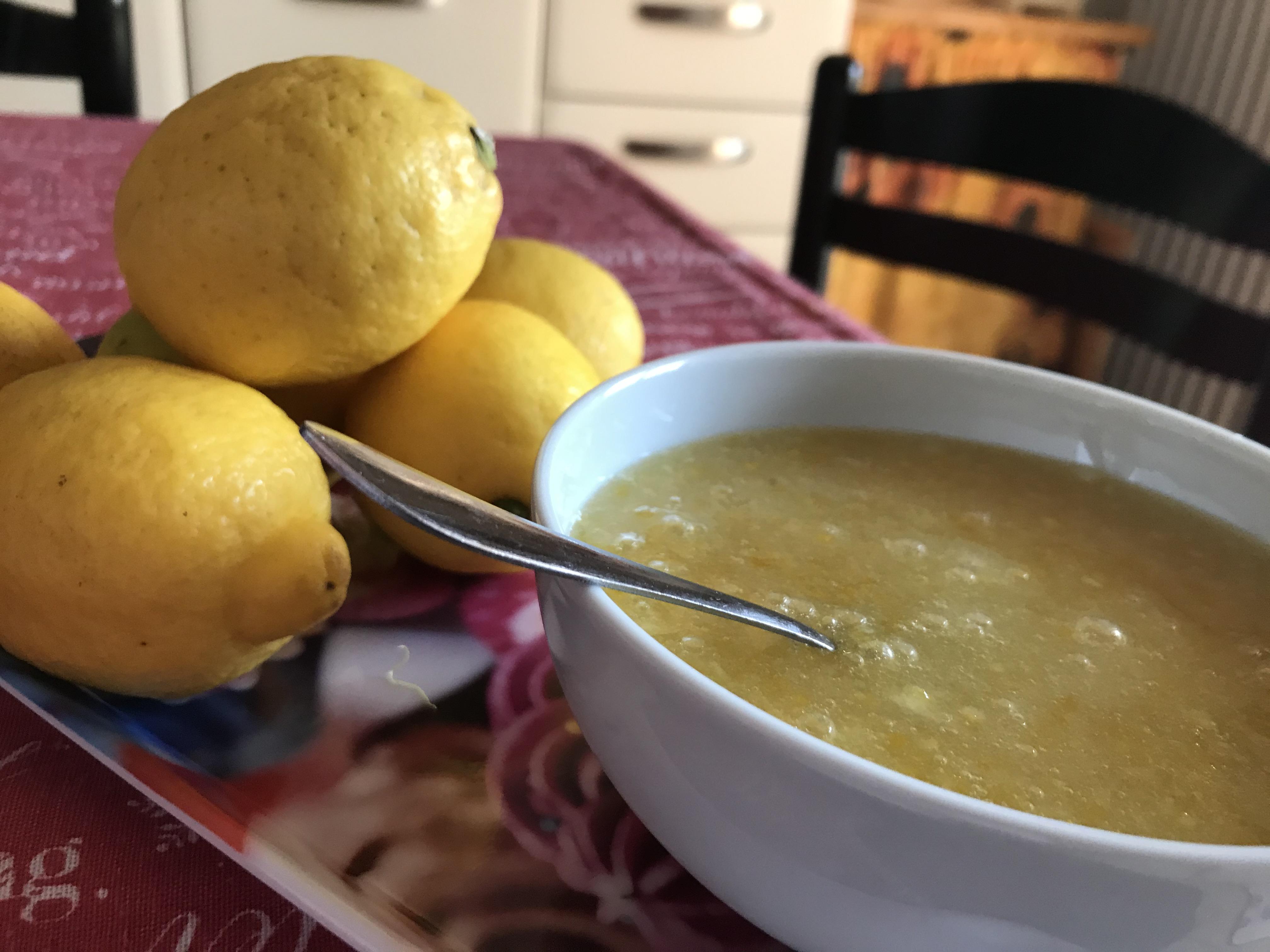 Limoni da usare per un aroma fatto in casa